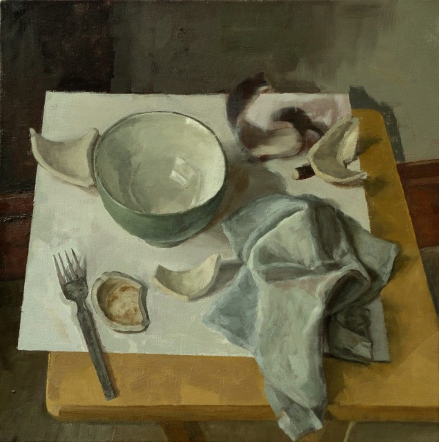 Still life with bowl and green cloth